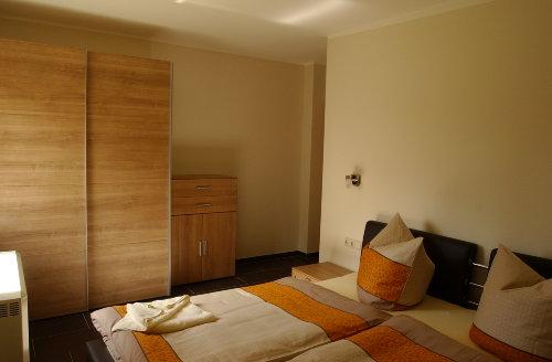 Schlafzimmer 2 Ferienhaus Elbinsel
