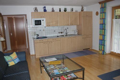 Küchenzeile (Couch siehe Bild 1)