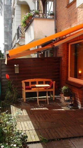 Die Markise schützt vor Sonne und Regen