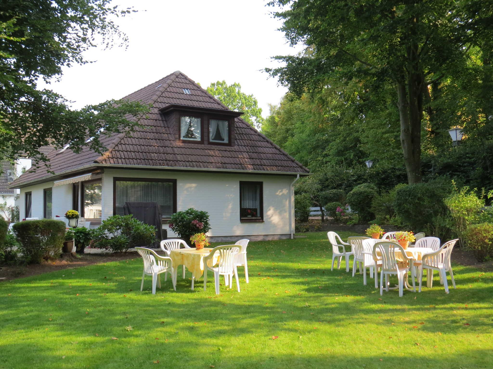 Sitzplatz für Gäste im Garten