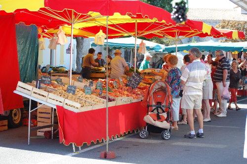 Markt in St.Denis