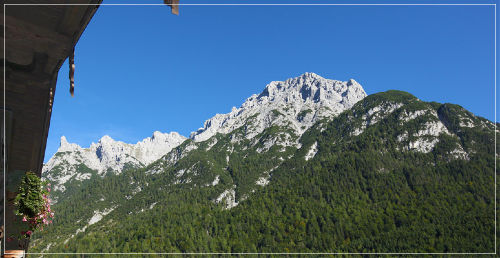 Ausblick vom Balkon auf das Karwendel