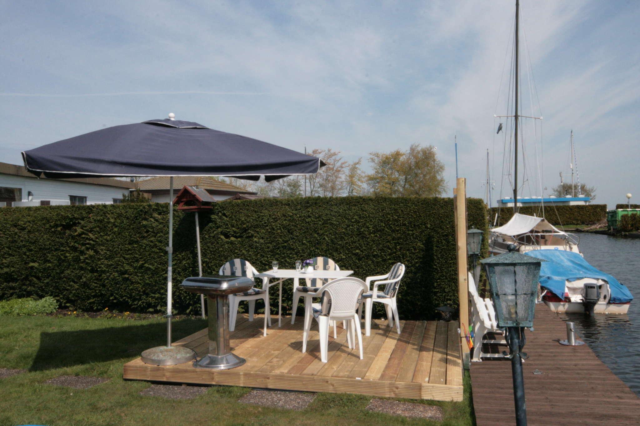 Chalet mit Garten & 8 Meter Bootssteg