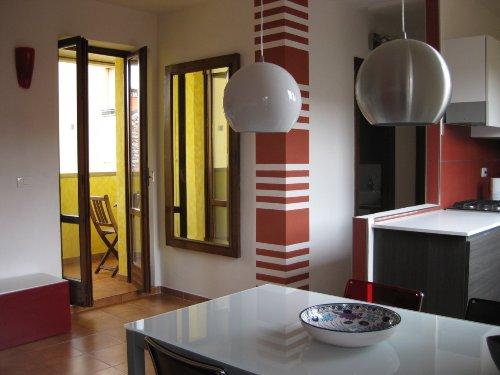 die stilvolle und helle Wohnküche