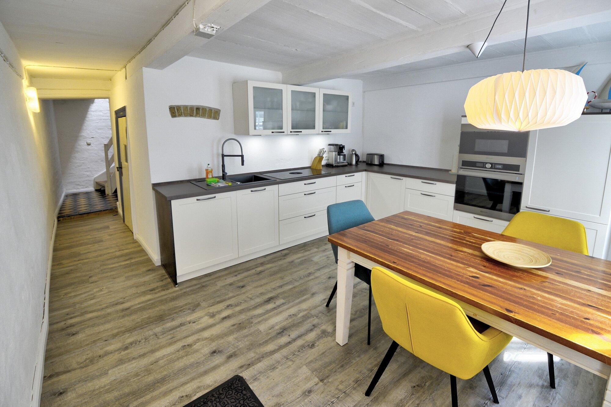 Küche mit moderner Ausstattung im EG