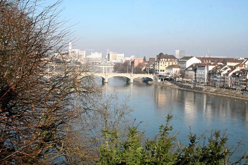 Basel, Blick vom Münsterplatz, Rhein