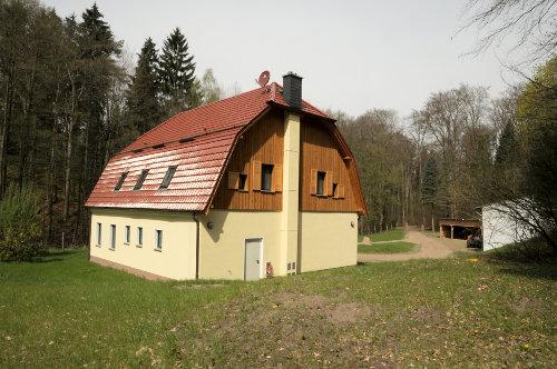 Au�engel�nde des Forsthauses