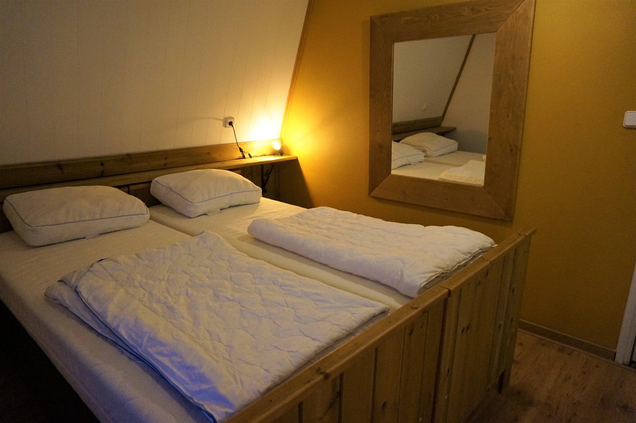 Schlafzimmer 5