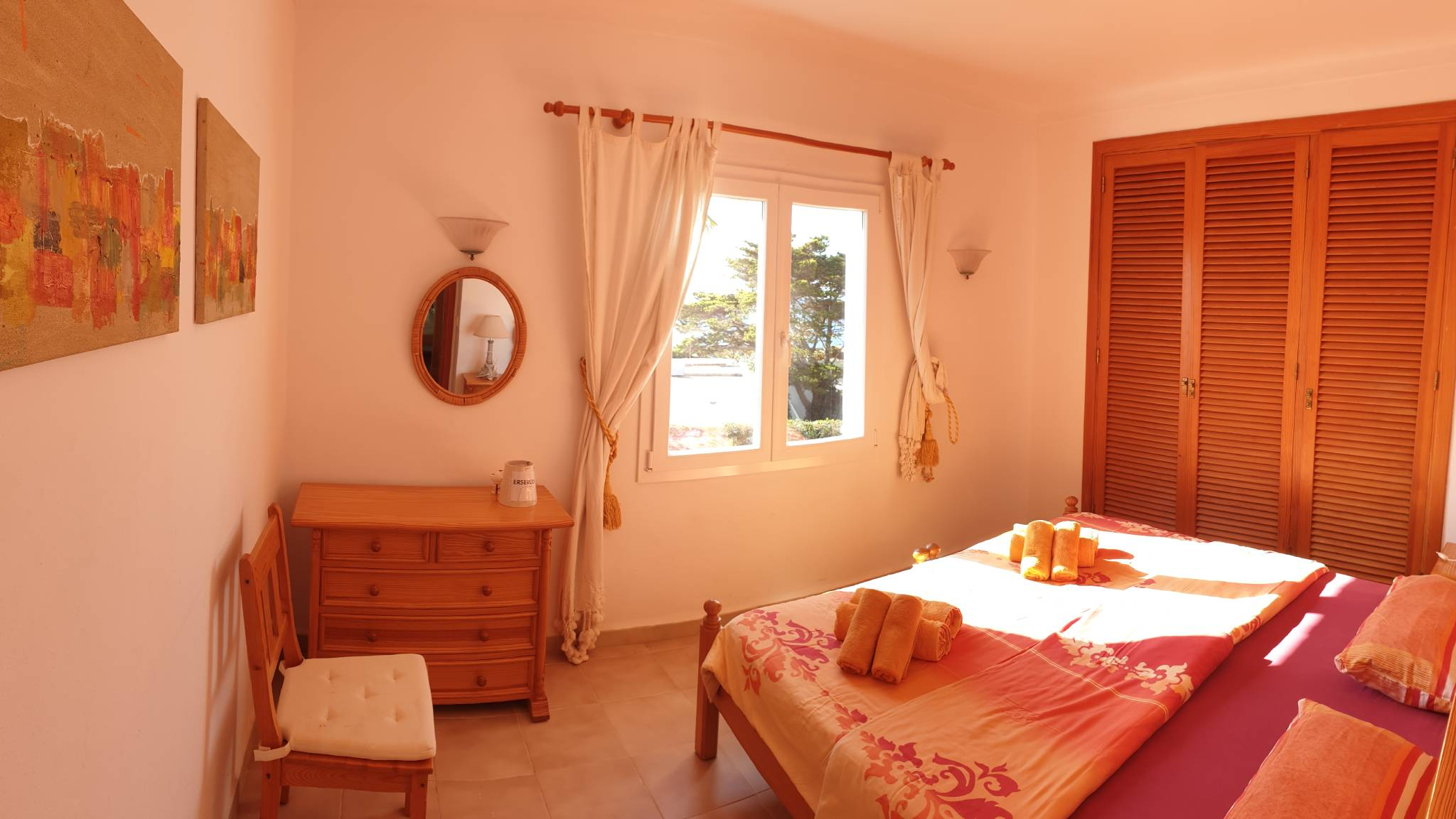 gem�tliche Schlafzimmer mit Meerblick