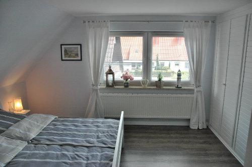 Schlafzimmer 1- grosser Wandschrank