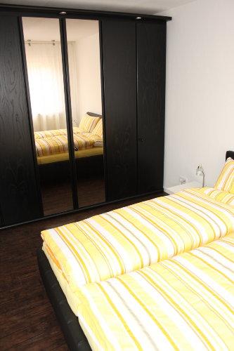 Schlafzimmer 1 mit 3-Meter-Schrank
