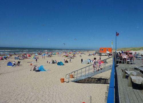 Strandcafe mit Rettungswacht Callantsoog