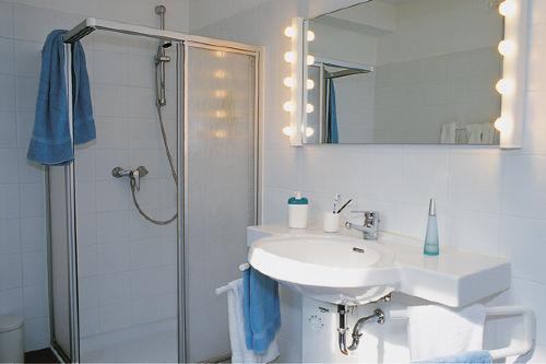 Modernes Bad, WC mit Vollausstattung