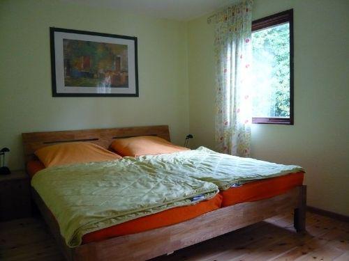 Schlafzimmer mit Doppelbett 180 x 200