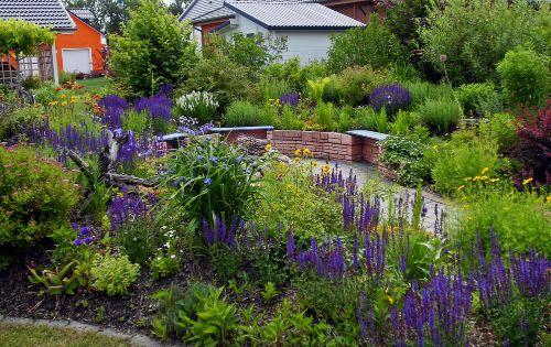 Gartenbereich mit Feuerstelle