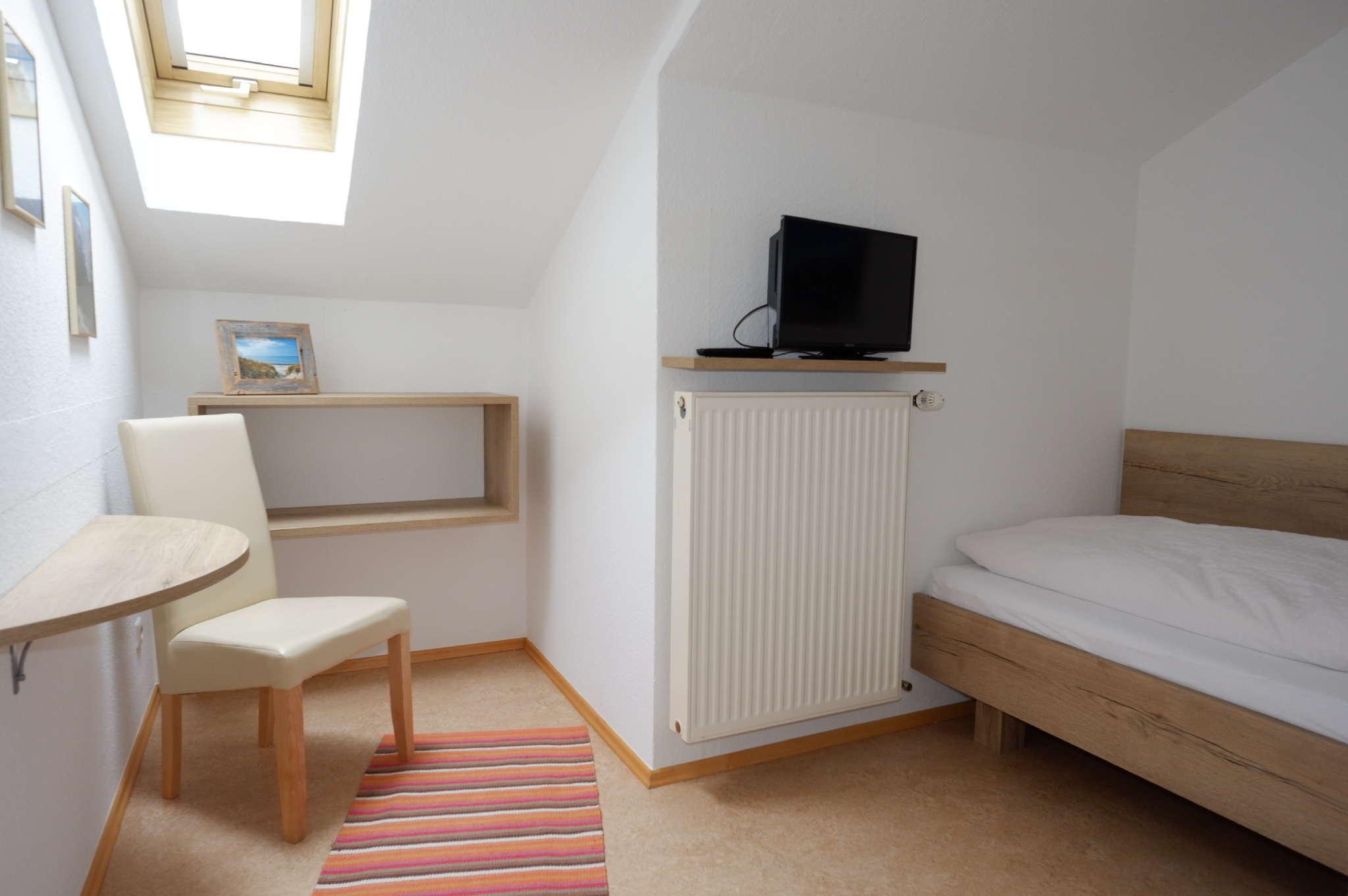 Schlafzimmer mit DVD TV