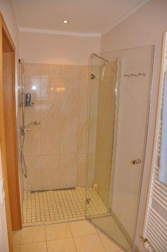 Duschbad, großzügig