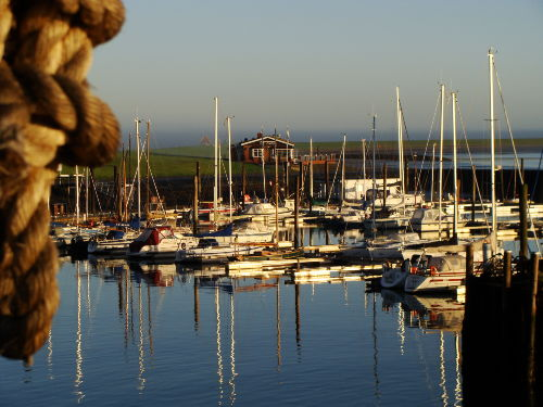 Seegelhafen um die Ecke