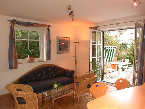Wohnbereich und Terrasse