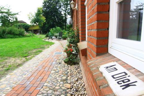 Weg zur Terrasse für die Feriengäste