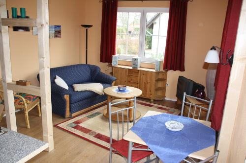 Ferienwohnung - Wohnraum mit Schlafsofa