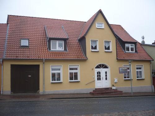 Vorderansicht -Familienhaus