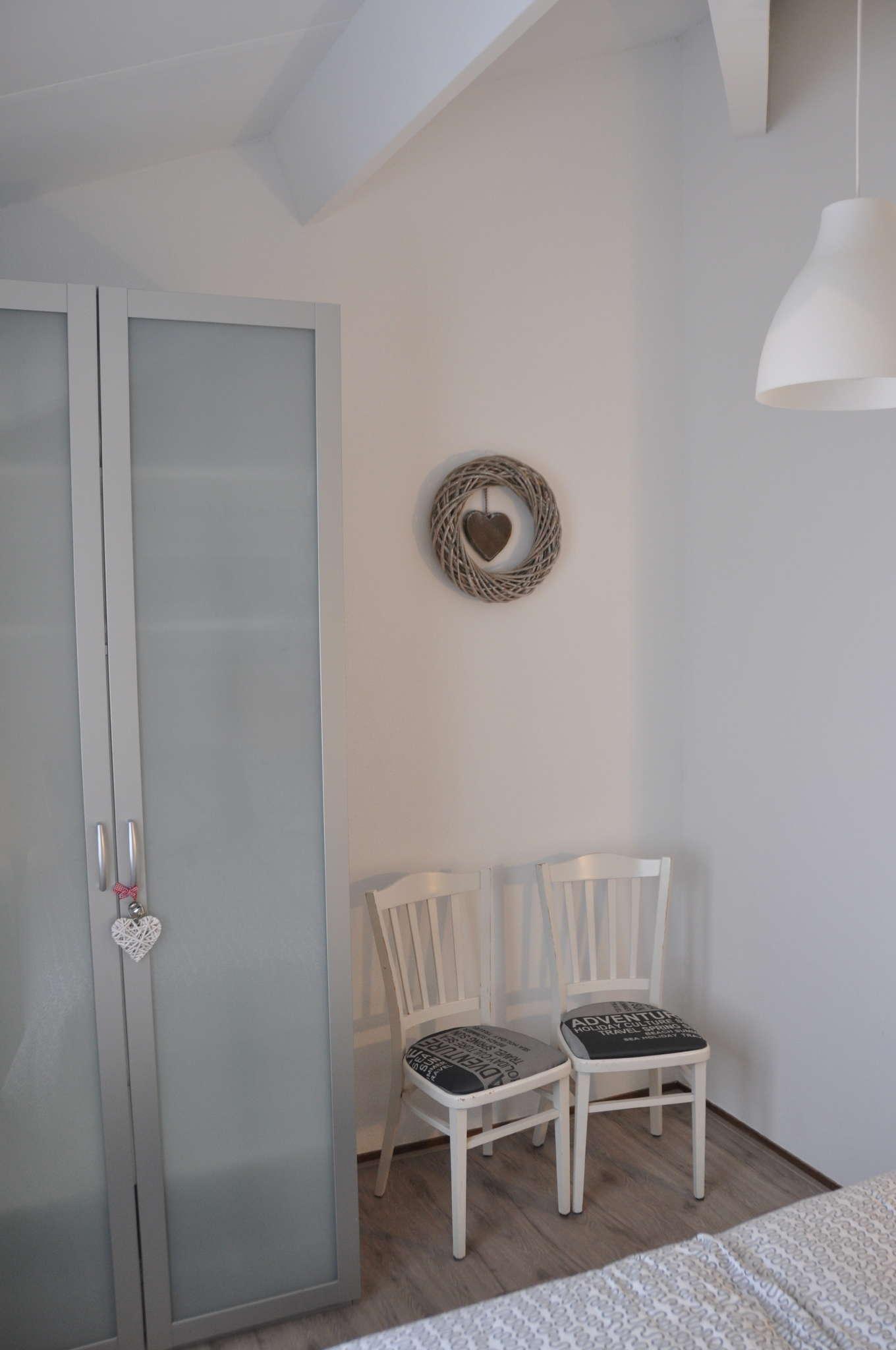 Ess- und Sitzbereich im Wohnzimmer