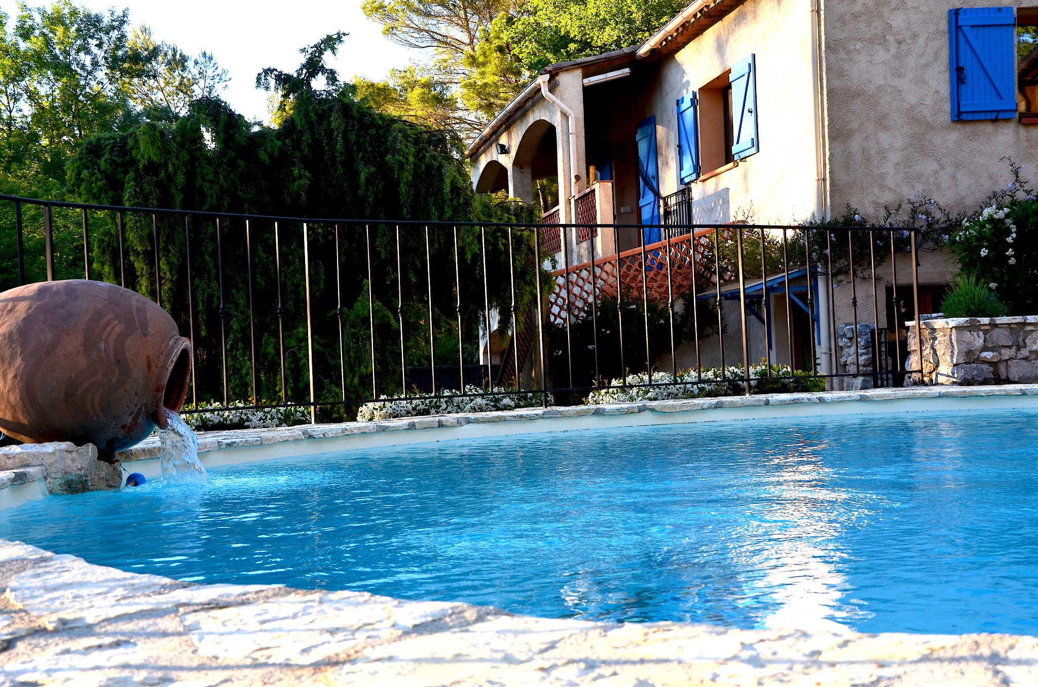 Ferienhaus mit Pool La Sittelle