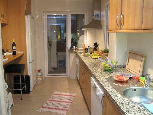 Küche und Wasch-/Abstellraum hinten
