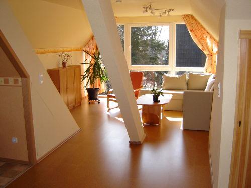 Wohnzimmer mit Kabel-TV, Radio, CD/DVD