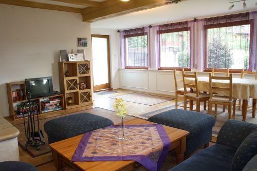 Wohnzimmer EG - ausziehbarer Esstisch