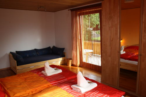 Schlafzimmer 1 - ausziehbares Zusatzbett