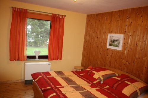 Schlafzimmer Wohnung 2
