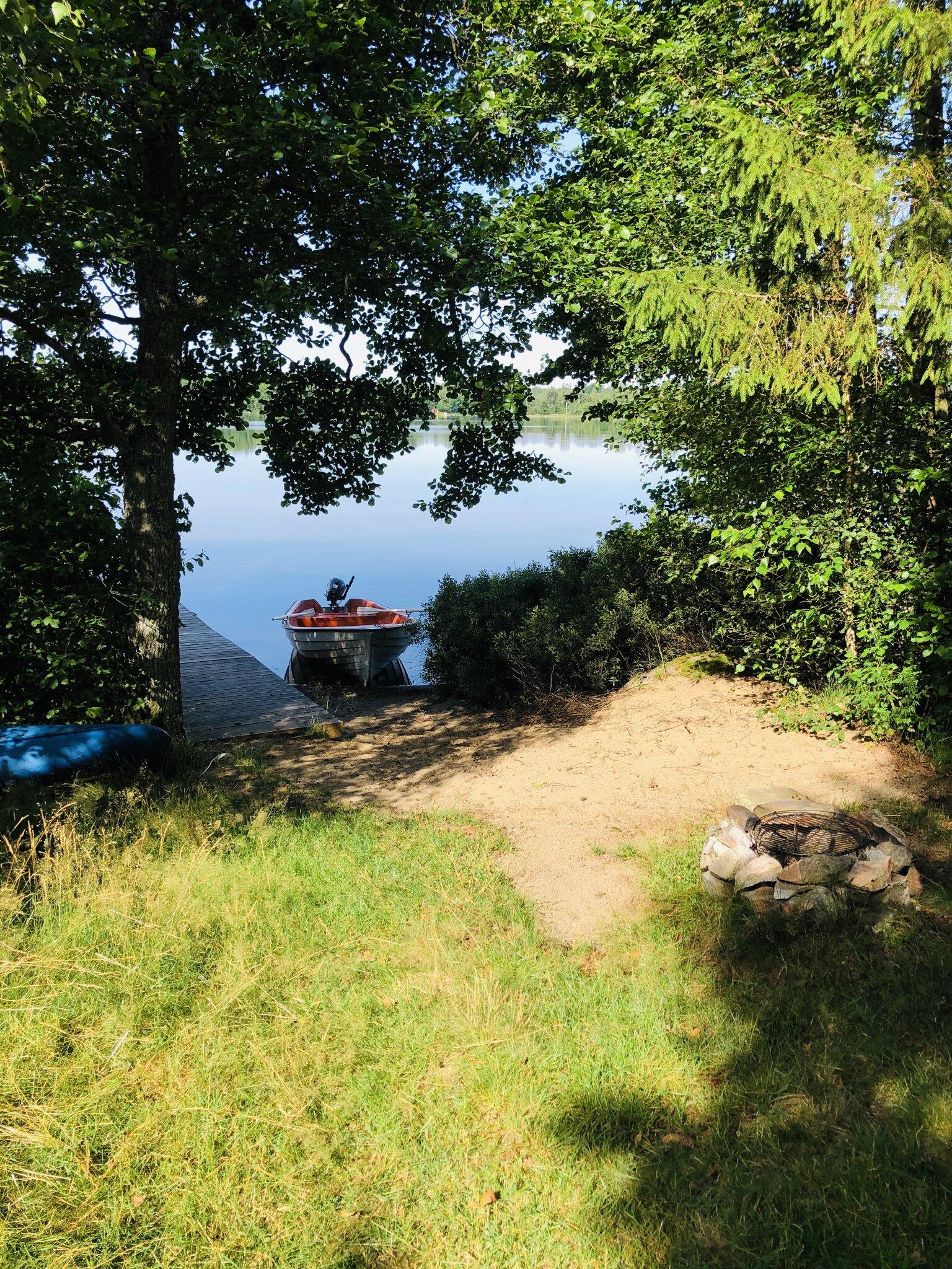 Hier parken Sie das Boot auf der Insel.