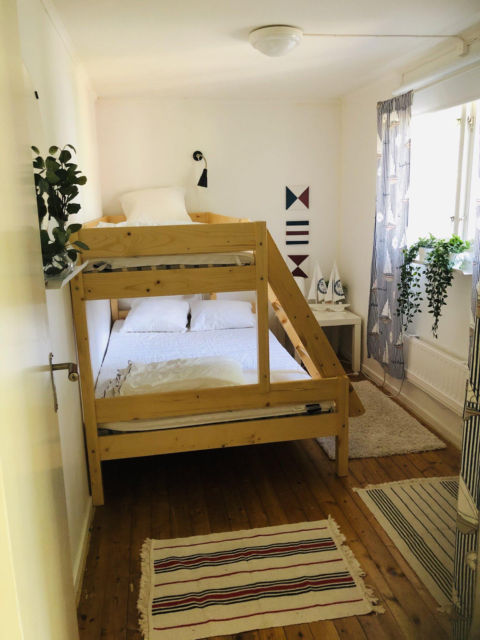 Schlafzimmer für 3 Personen.
