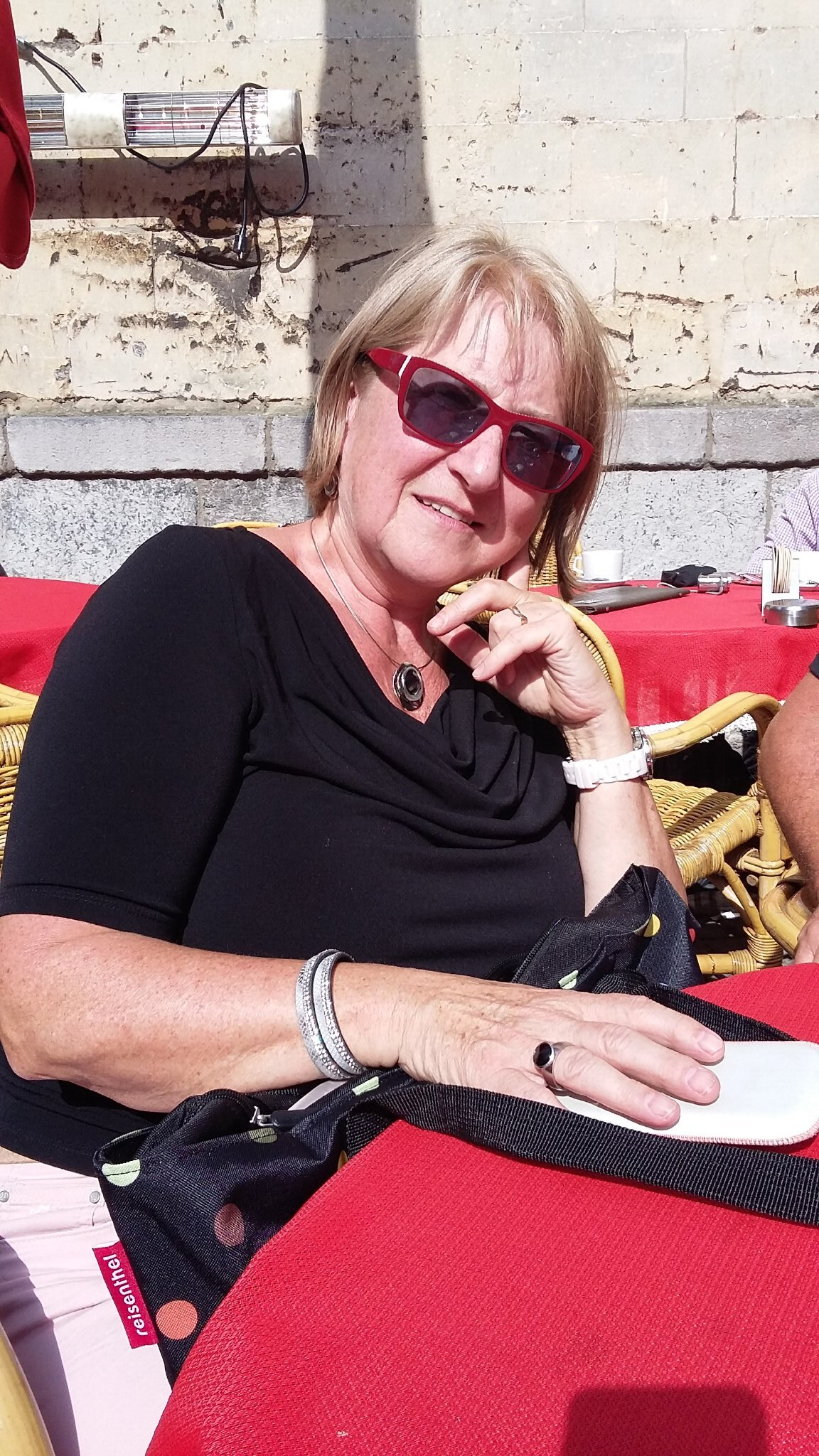 Frau Gertrud Gotto (Vermieterin)