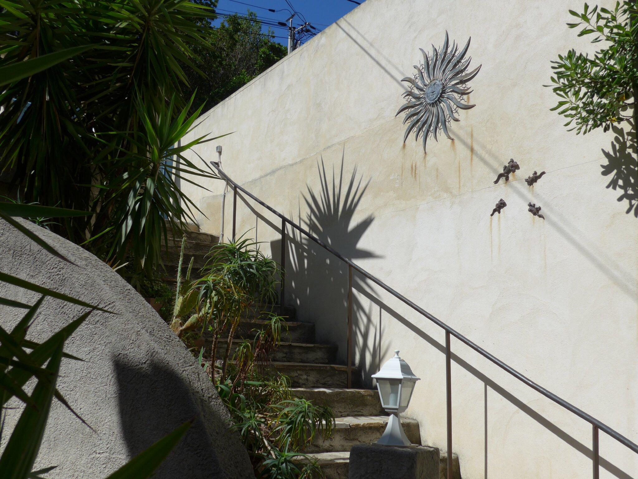 Das Haus von der Straßenseite