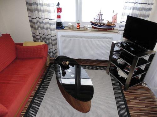 Wohnbereich mit Kabel-TV und DVD-Player
