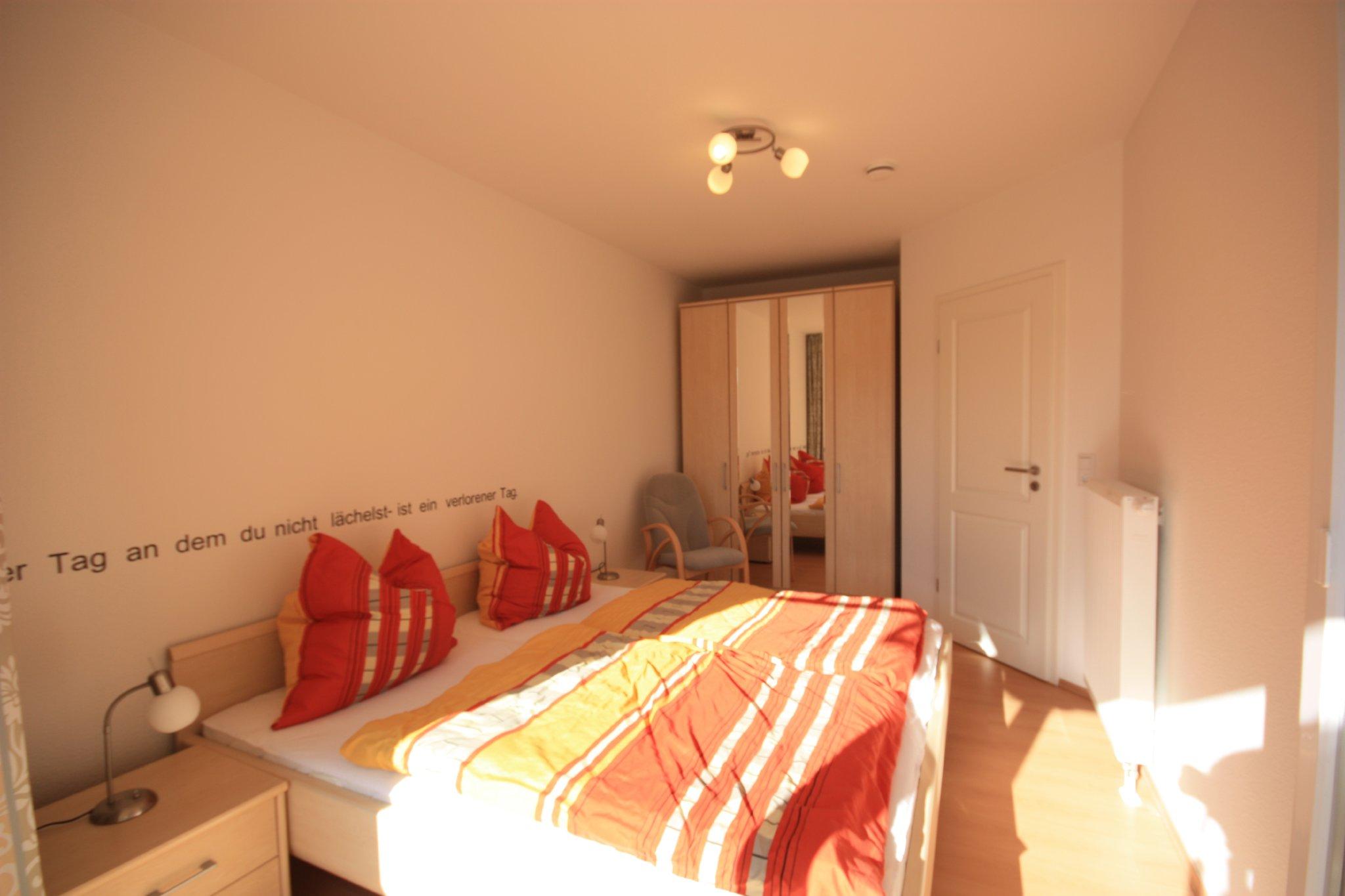 Schlafzimmer 1 - Ganzkörperspiegel
