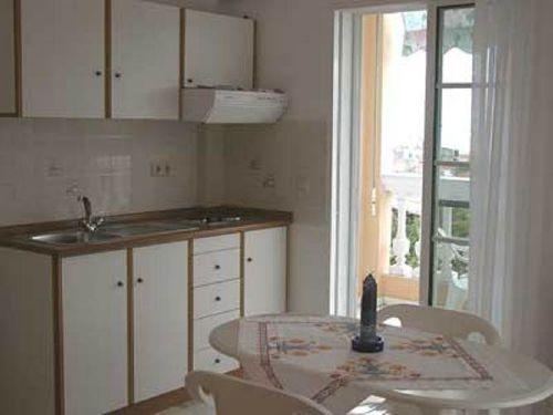 Küchenzeile im 2 Zimmer-Apartment
