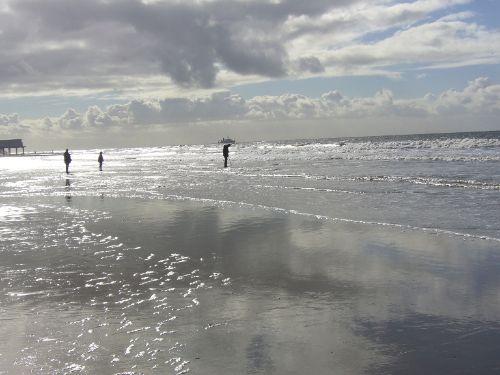 In weniger als 10 min Fußweg am Strand