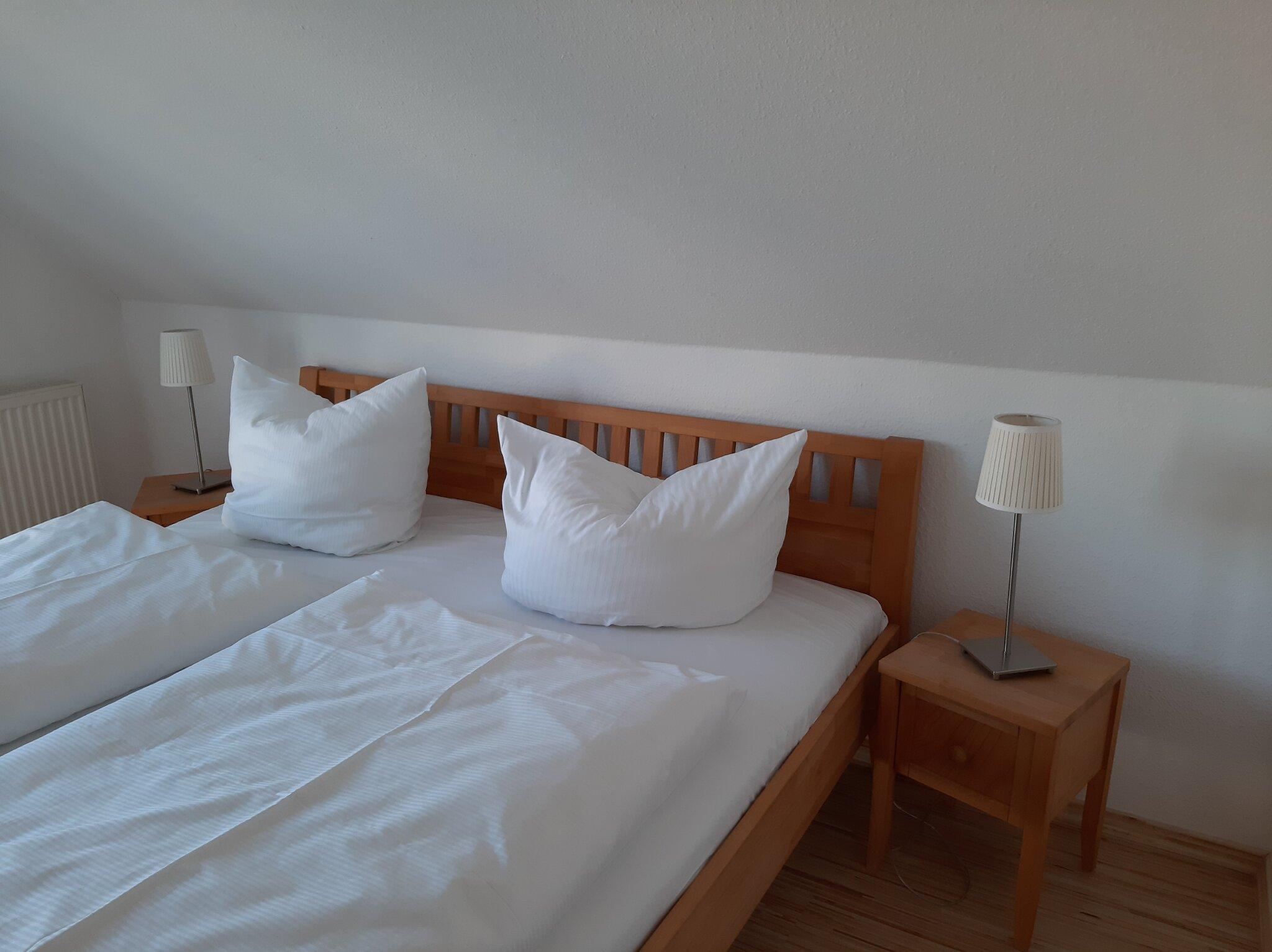kleines Zimmer -Schlafsessel ausziehbar