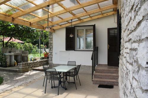 Terrasse und Grillplatz