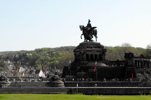 Das Deutsche Eck vom Neuendorfer Ufer