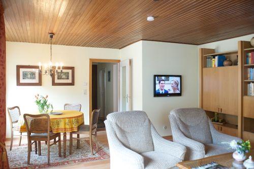 Wohn- und Esszimmer mit 4 Sitzplätzen