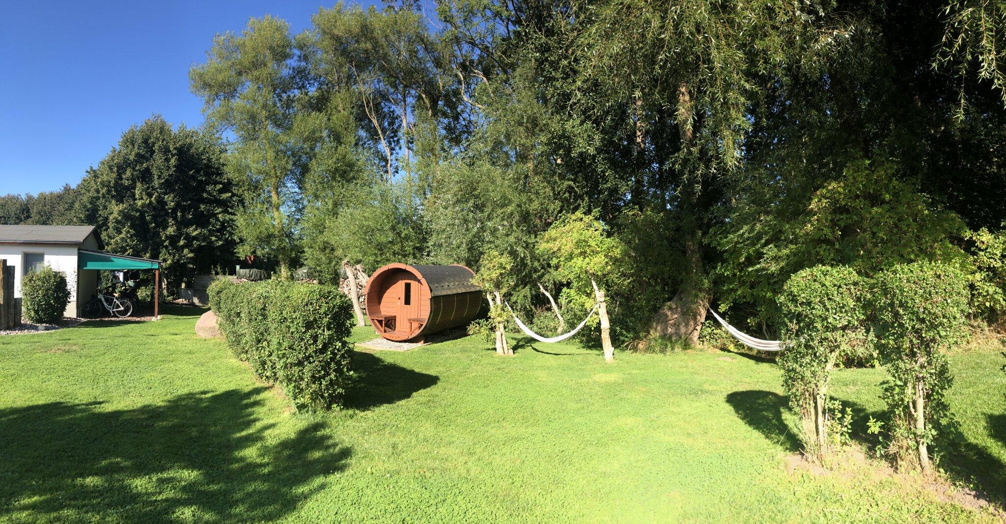 Finnisches Saunafass im Garten!!!
