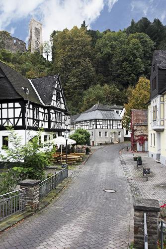 nur 5 min Fußweg bis zur Burg Grenzau