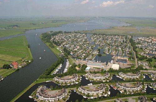 Luftfoto von Anlage und Seenplatten