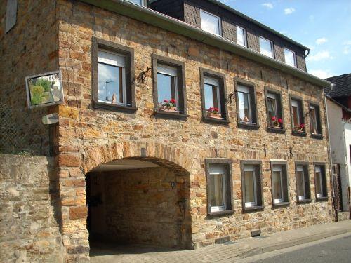 Das Wohnhaus (FeWo im Erdgeschoss)