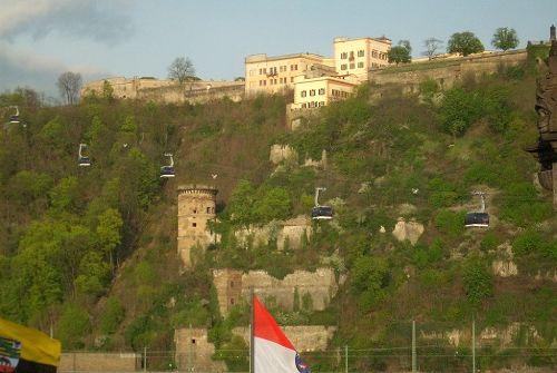 Festung mit Seilbahn